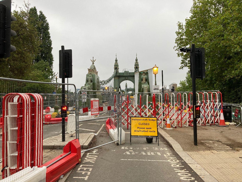 Hammersmith Bridge is now completely closed